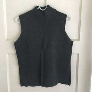 Sweaters - • 5 for $15• Gray Turtle Neck Sleeveless Sweater